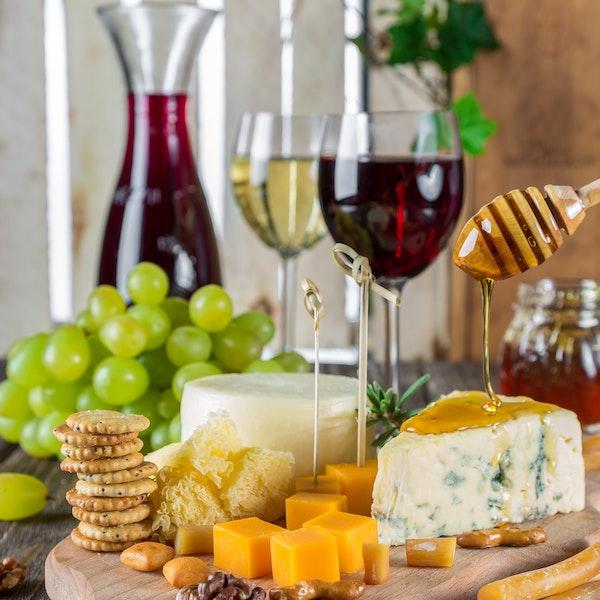 tagliere formaggi vino